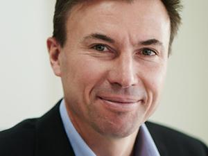 Paul Ronalds ('89)