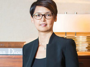 Alicia Too, the shy girl who became the luxury hotel manager