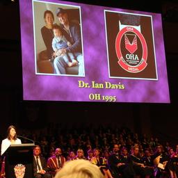 Dr. Ian Davis ('95) named as the 2018 OHA Medallist